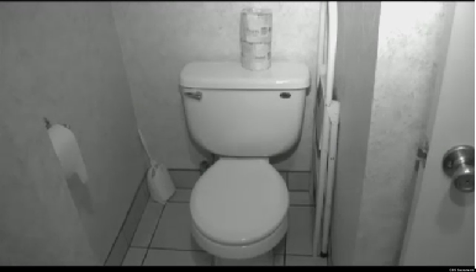 Скрытая камера ресторан туалет женский
