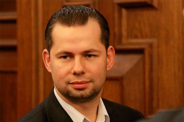 Алексей Холостов