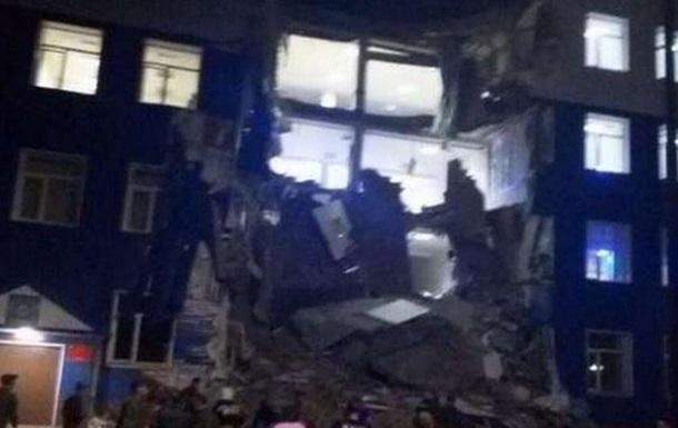 Омск: из под завалов рухнувшего учебного ВДВ центра извлечено 42 человека, 23 из них погибли