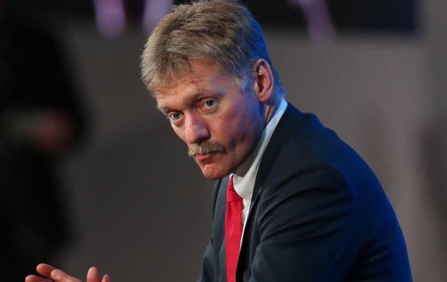 Песков не захотел комментировать видео о сбитом российском самолете