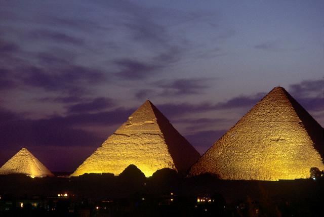Нарышкин пообещал вернуть российских туристов в Египет