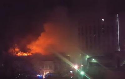 ЧП в Москве: сгорел швейный цех под которым находился пиротехнический склад. Девять погибших (ВИДЕО)