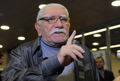 Армен Джигарханян выписался из московской клиники и отправился домой