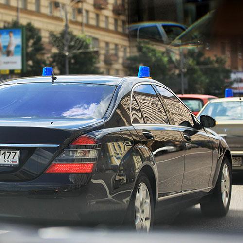 Служебные авто для российских чиновников ограничили по мощности