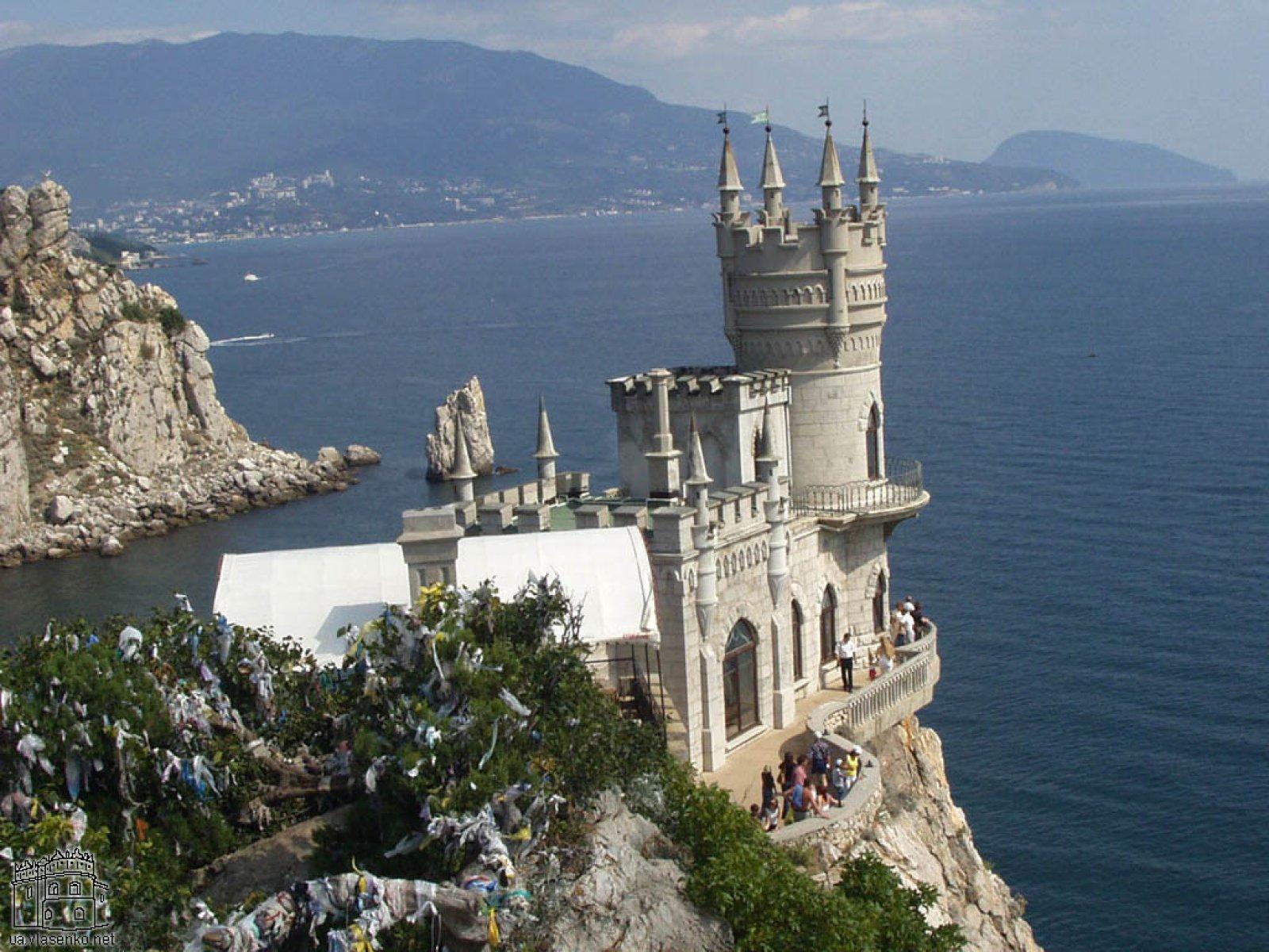 Около пятисот пансионатов предлагает отдых в Крыму