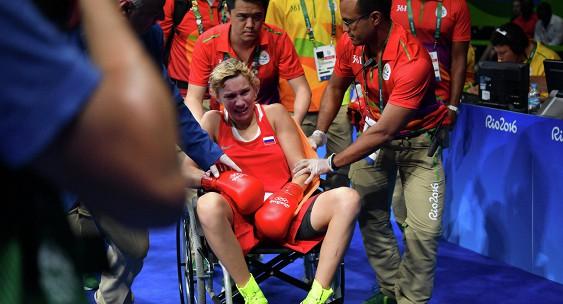 Российская спортсменка покинула ринг на инвалидной коляске
