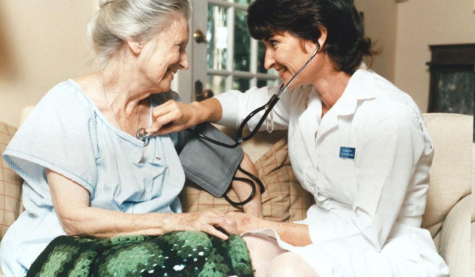 Патронаж пожилых на дому