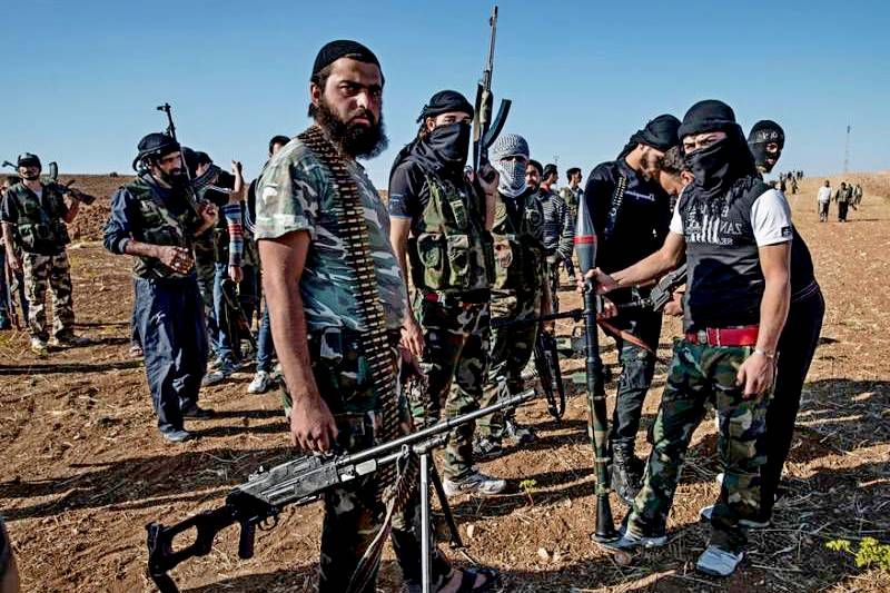 США обвинили в незаконных поставках оружия сирийцам