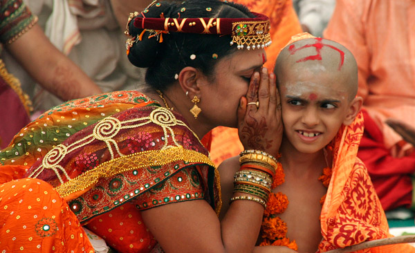 Жительница Индии стала женой пятерых братьев одновременно
