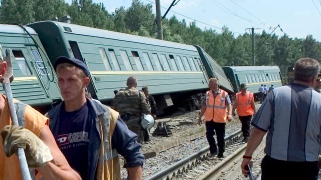 Крушение поезда на Кубани: 110 пострадавших, 13 госпитализировано