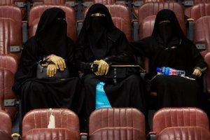 В ОАЭ жертва изнасилования приговорена к 16 месяцам заключения