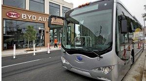 Барселона: первый электробус вышел на линию