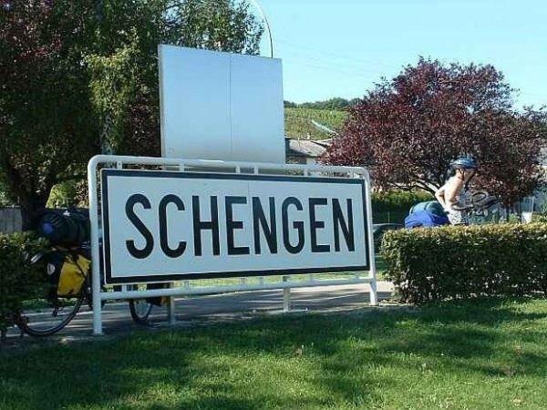 Франция закрывает двери в Шенген для Румынии и Болгарии