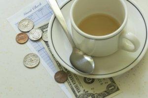 Франция: посетители кафе получают скидку за вежливость