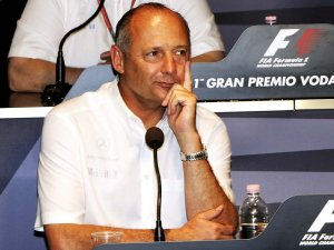 После двухгодичного перерыва Рон Деннис вновь занял пост руководителя McLaren