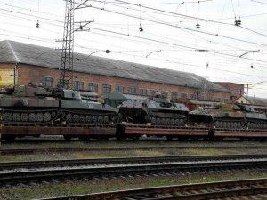 Тяжелая бронетехника в помощь силовикам на Грушевского