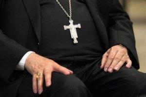 Ватикан должен разобраться со своими педофилами