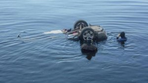 Автомобиль утонул в Северском Донце: есть жертвы