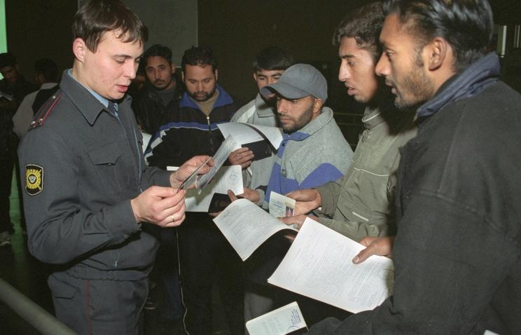 Для трудовых мигрантов вводится комплексный экзамен по русскому языку, истории и праву