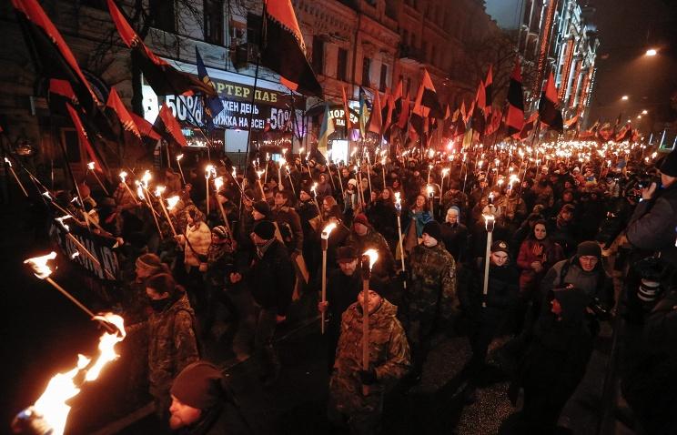 Долгов: факельные шествия на Украине — демонстрация продолжения движения по пути нацистов
