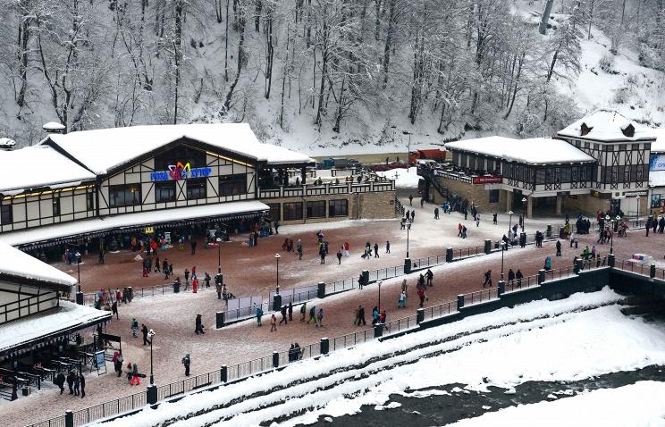 На курорте Сочи в новогодние праздники отдыхает порядка 160 тыс. туристов