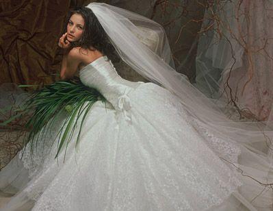 Оригинальное платье для невесты можно купить здесь