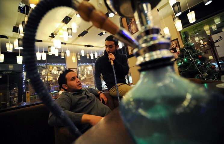 В Госдуму внесен законопроект о полном запрете курения кальяна