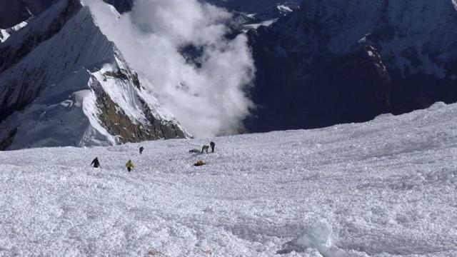 Снежная лавина, убила троих болгарских сноубордистов