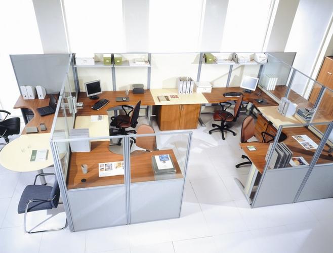 офис с помощью перегородок