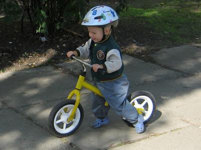 Беговел способствует развитию ребенка и укрепляет его здоровье