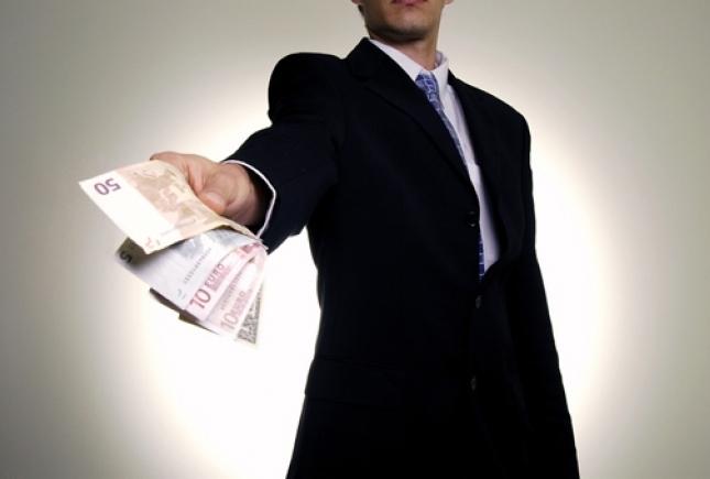 Брать займы становится очень выгодно