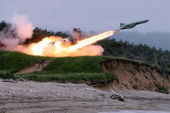 Крылатая ракета отклонившись от заданной траектории упала на жилой дом под Северодвинском