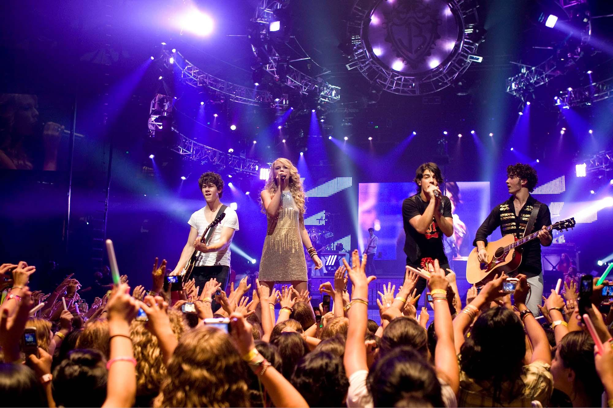 Где заказать билеты на концертные мероприятия в Германии?