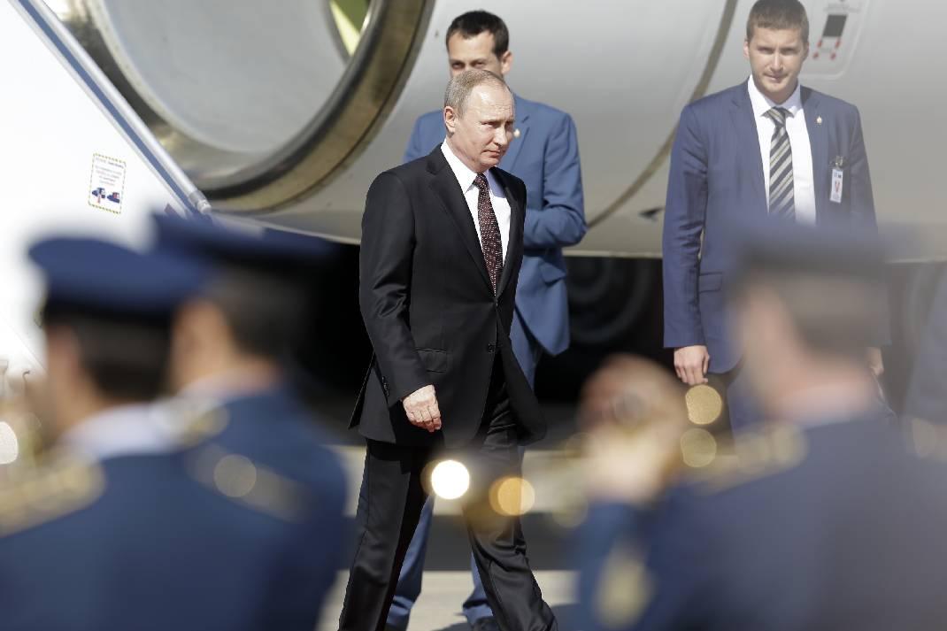 Президент России отправился к Святой горе Афон