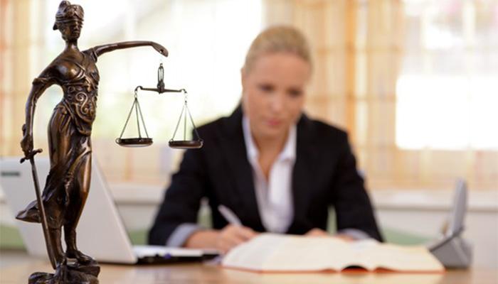 Обращайтесь к адвокатам, не занимайтесь «самолечением»