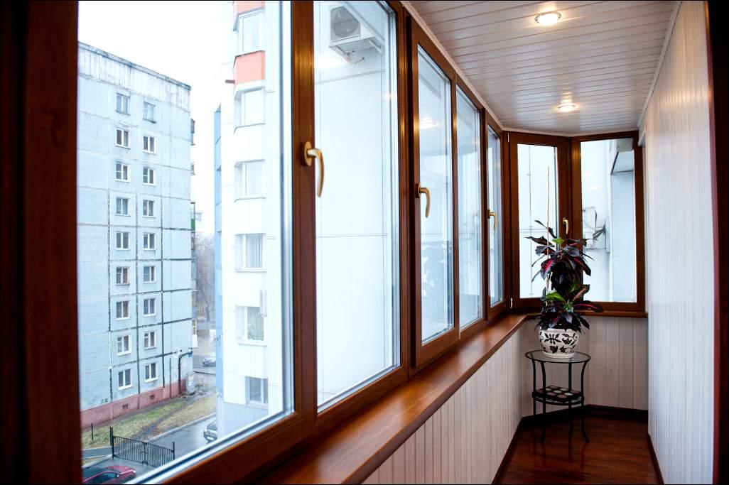 Балкон превращается в релакс зону
