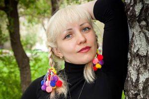 Учительницу из Магнитогорска уволили за старые эротические фото с мужем
