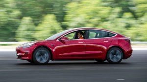 Новый рекорд продаж установила Tesla