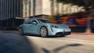 Электромобиль Porsche Taycan получил версию 4S