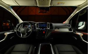 В Россию привезли VIP-минивэн Toyota Hiace