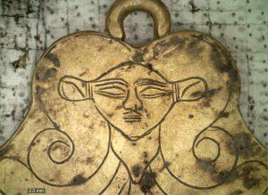 Облицованные золотом гробницы бронзового века нашли в Греции