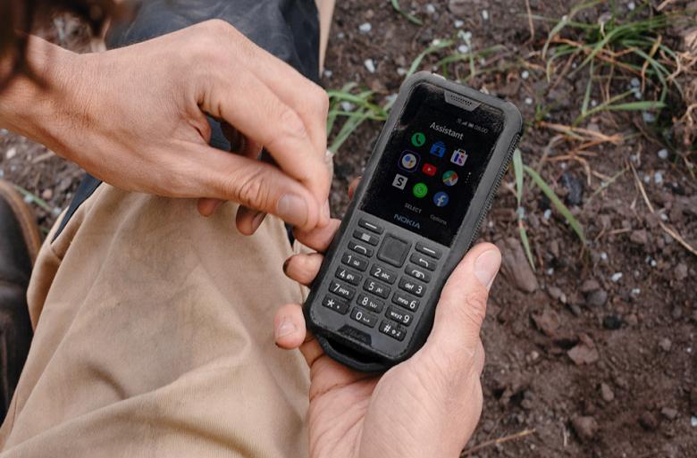В России начались продажи нового неубиваемого Nokia 800 Tough