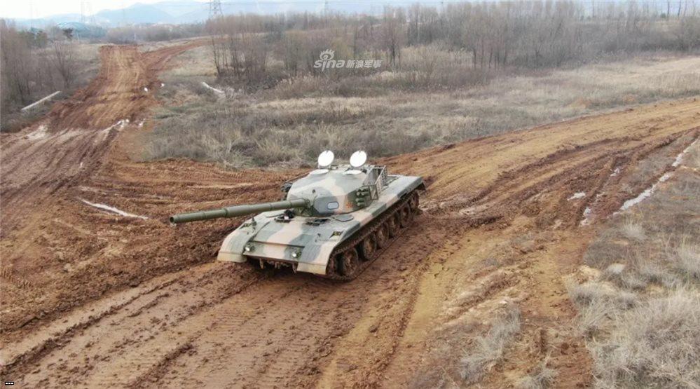 Необычный танк засветился на полигоне в Китае