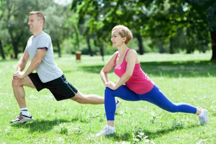 Исследование объясняет, почему одни и те же упражнения по-разному влияют на разных людей