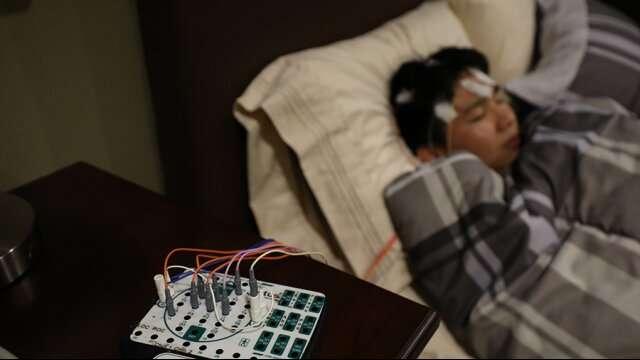 Исследование показало, что прослушивание музыки перед сном мешает спать