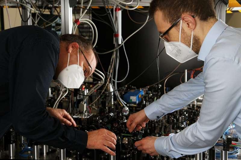 Физики определяют энергетические состояния отдельных атомов после столкновения
