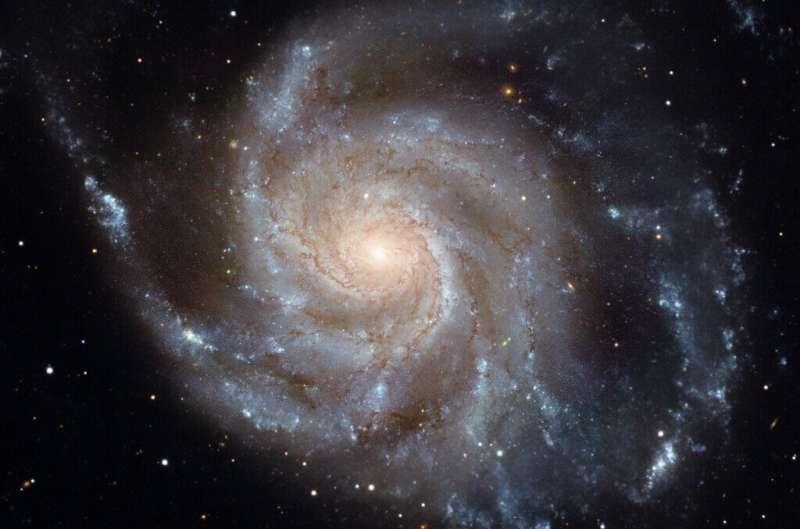 Сверхмассивные черные дыры тормозят рождение звезд