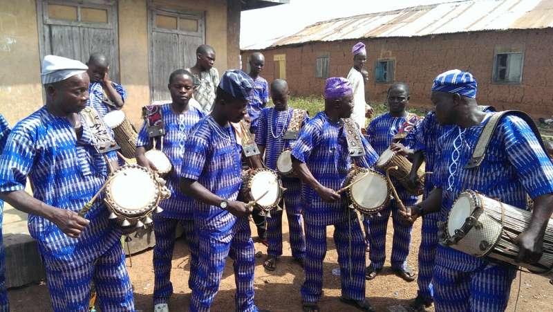"""Показан """"говорящий барабан"""", точно имитирующий речевые модели западноафриканского языка"""